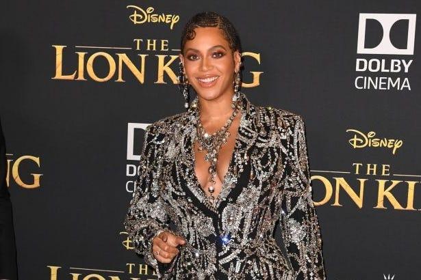 50 MUSIC ICONS: Beyonce, Taylor, Nicki and Rihanna